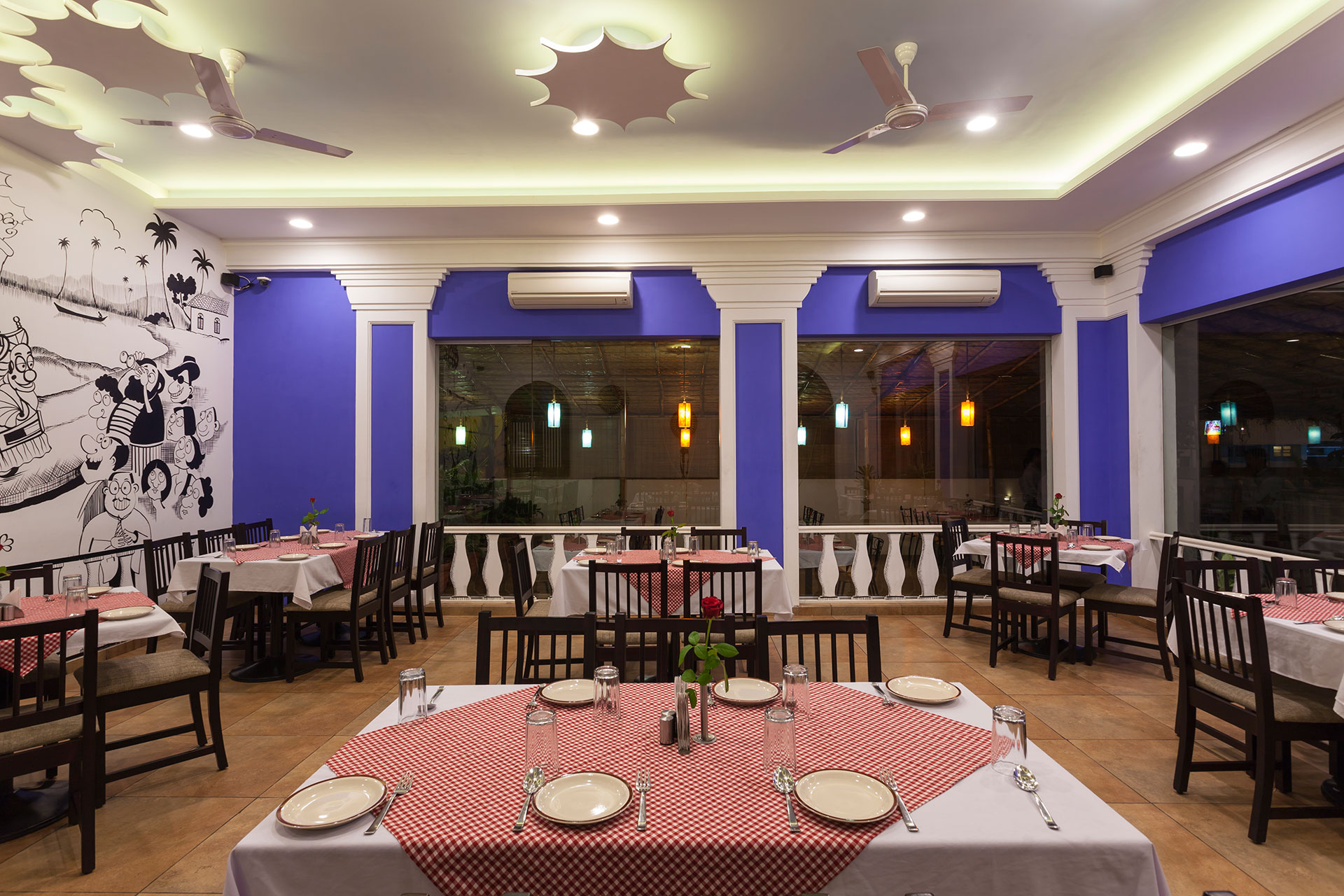 Veg And Non-Veg, Sea Food Restaurant in Kolhapur
